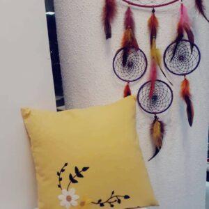 کوسن گلدوزی شده پارچه ای