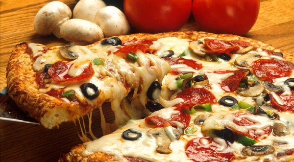 پیتزا مخصوص گوشت و قارچ بزرگ