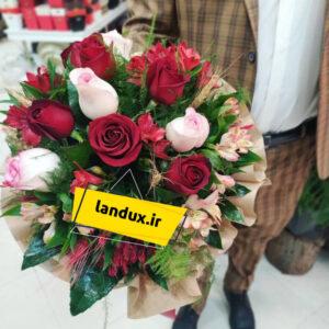 دسته گل رز قرمز و سفید