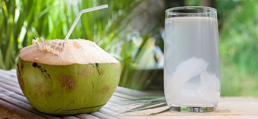 شیر نارگیل تازه سبز