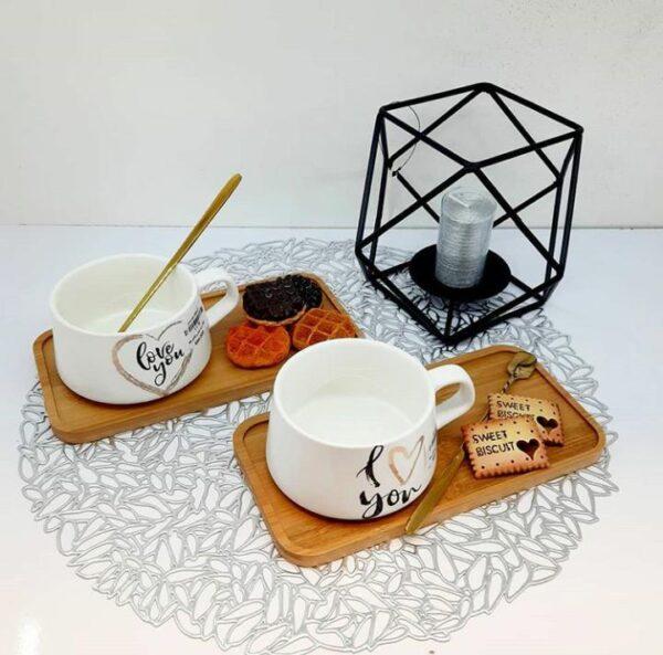 فنجان زیر چوبی قاشق طلایی