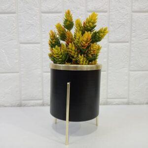 گلدان فلزی پایهدار